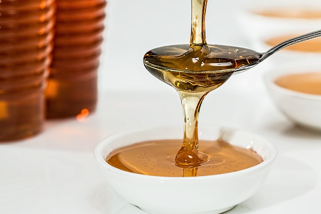 tekoucí med.jpg