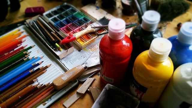 barvy a tužky na malování.jpg