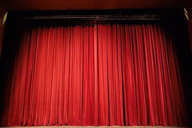 divadelní závěs